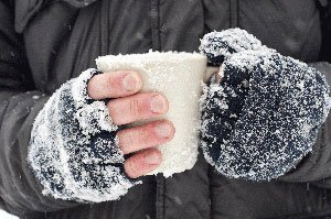 There are two types of injuries related to cold temperatures: chilblains and frostbite.