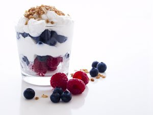 A great breakfast idea is yogurt with fruit and oats/granola